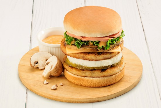 Fully Loaded Chicken Burger Recipe | Sadia Singapore